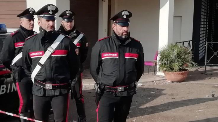 Pavia, cade dal balcone e muore una 12enne: non si esclude l'ipotesi del suicidio