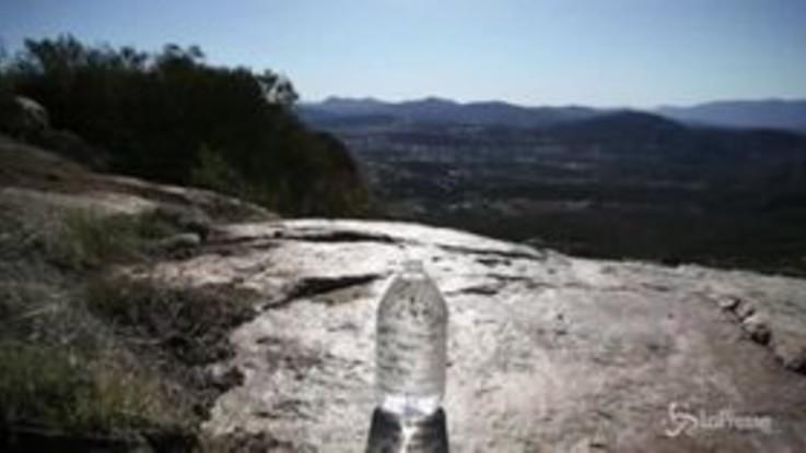 Usa, volontari lasciano acqua per migranti sul confine col Messico