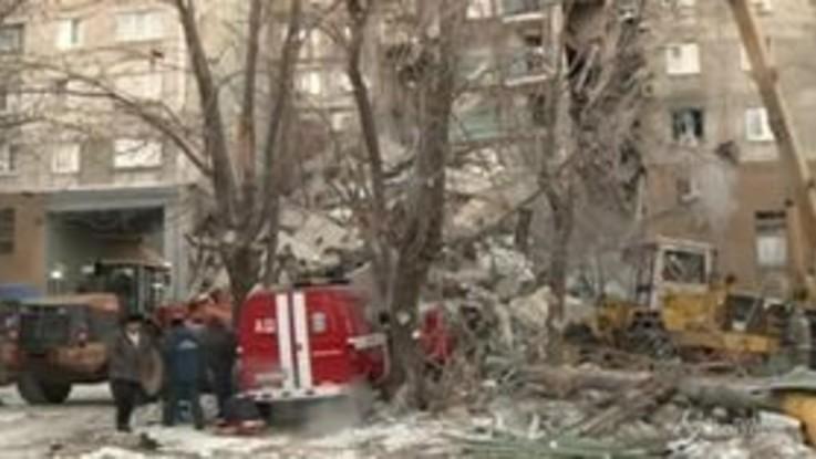 Russia, crolla palazzo di dieci piani: quattro morti
