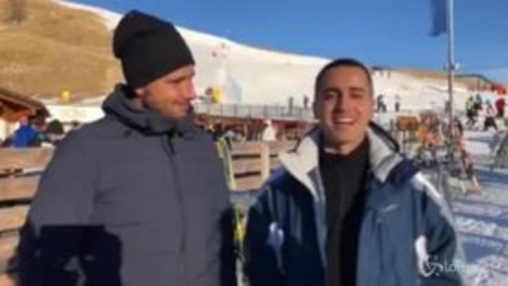 """Capodanno 2019, il videomessaggio di Di Maio e Di Battista: """"Ora tagli agli stipendi dei parlamentari"""""""