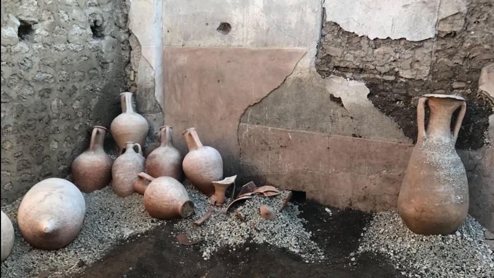 Le anfore rinvenute negli ultimi scavi ©