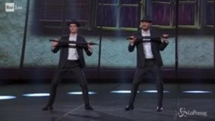 Bolle e Cremonini show: passo a due scatenato su Rai Uno