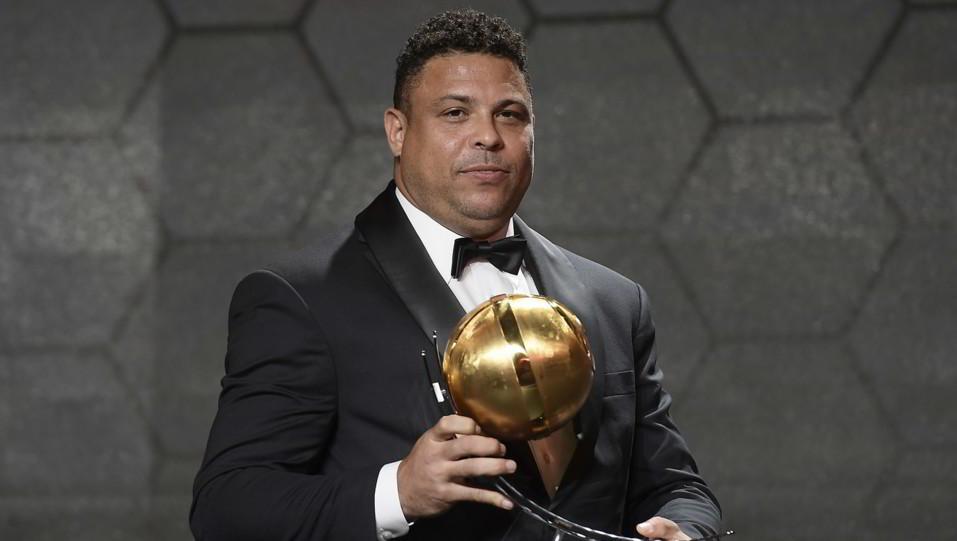 Luiz Nazario de Lima Ronaldo, il Fenomeno, ha ricevuto un premio alla carriera ©
