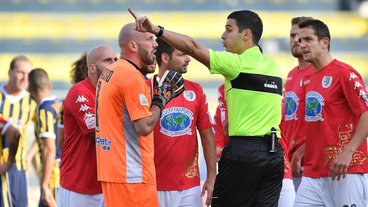 Picchiarono un giovane arbitro, un arresto a Roma