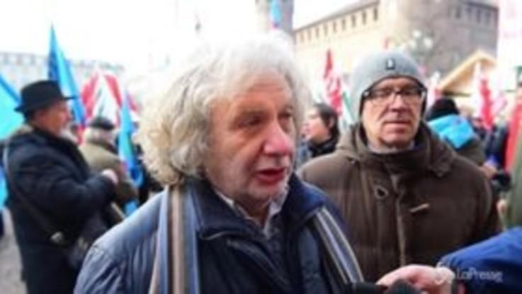 Torino, protesta dei pensionati davanti alla Prefettura