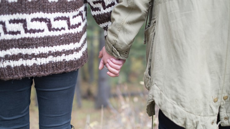 L'oroscopo di domenica 6 gennaio: Cancro, l'amore richiede impegno