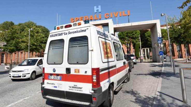 Brescia, sale a 4 il numero dei bambini morti agli Spedali Civili. Blitz dei Nas