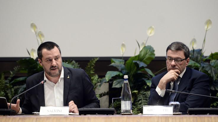 """Violenza e razzismo negli stadi. Salvini: """"No alla sospensione delle partite"""""""