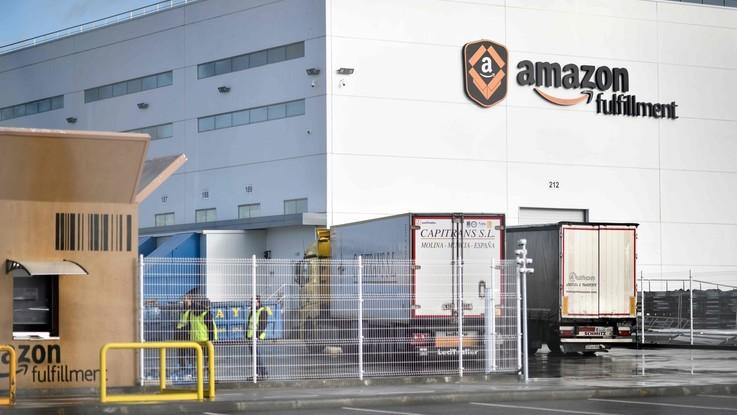 Amazon da oggi è la più grande azienda quotata al mondo