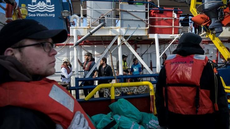 Sea Watch, giorno 18. La Ue chiede una soluzione subito. Ma prevalgono le rigidità