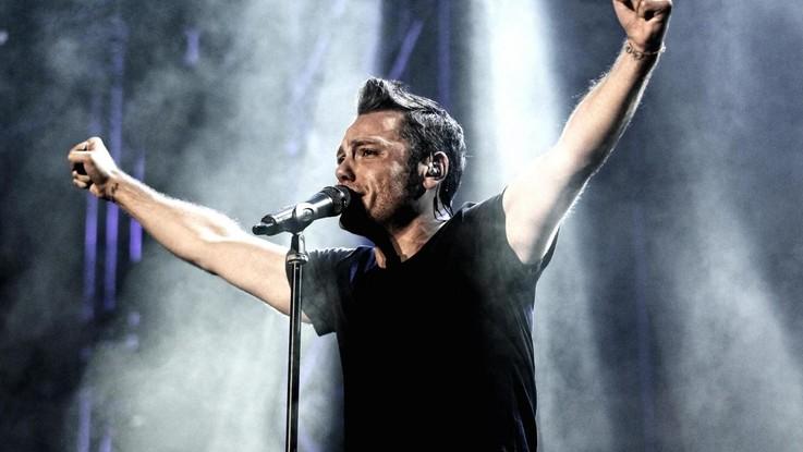 Tiziano Ferro, una maglietta per annunciare la data del nuovo album