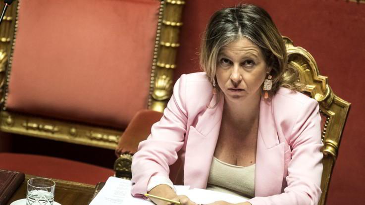 La Lega punta al ministero della Salute: Giulia Grillo da un mese non torna a Roma