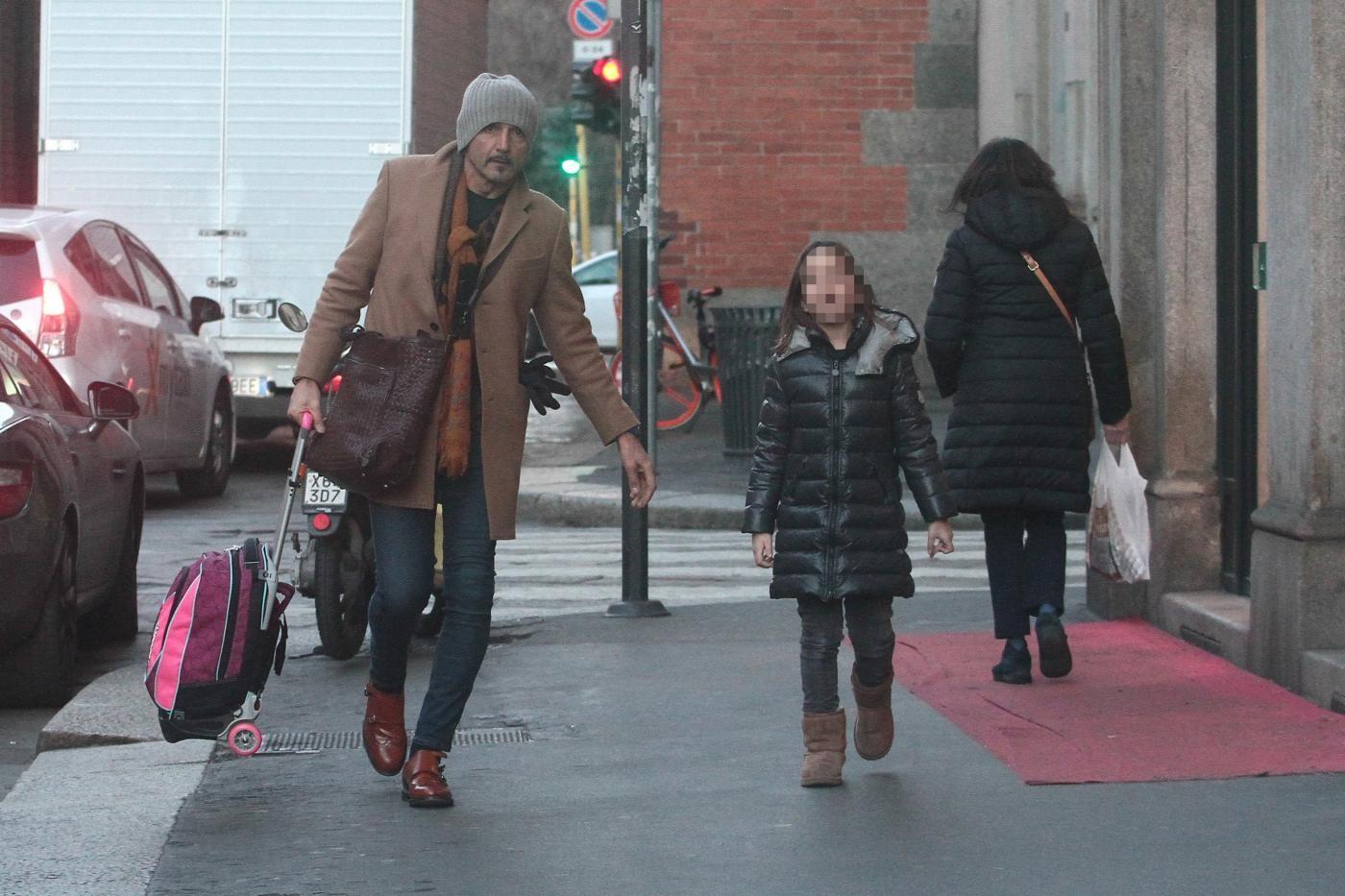 Spalletti modello anche in versione papà: mano nella mano con Matilda fuori da scuola
