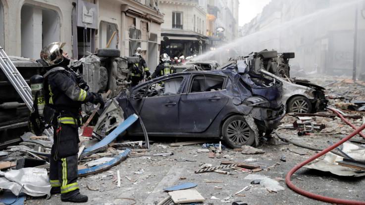 Parigi, esplosione per una fuga di gas in una panetteria