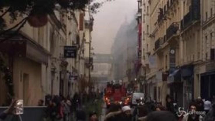 Esplosione a Parigi, fuga di gas nel quartiere dell'Opera