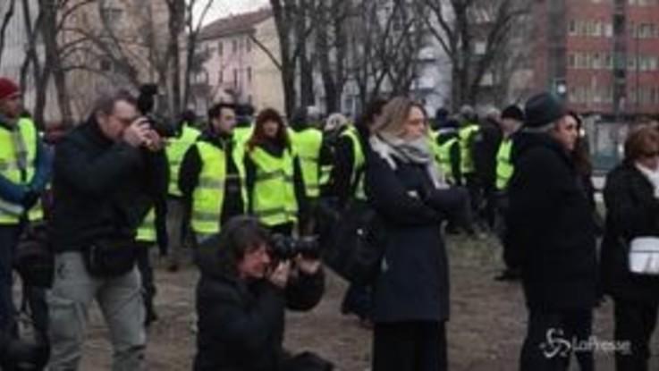 Parla il sindaco e gli agenti si allontanano, nuova protesta della polizia locale a Milano