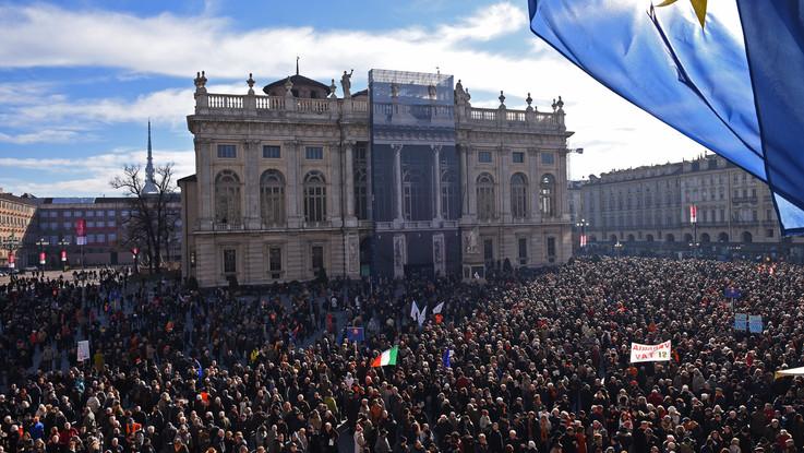 Torino, il popolo Sì Tav torna a farsi sentire. In piazza anche la Lega