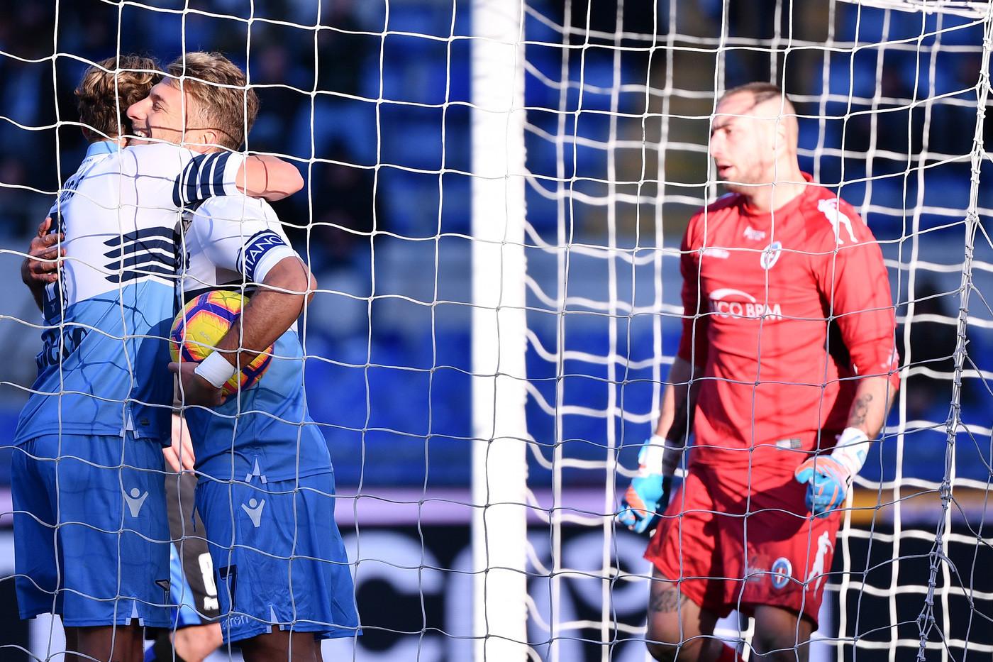 Coppa Italia: Lazio ok col Novara, 4-1 all'Olimpico. Cori razzisti dalla curva biancoceleste