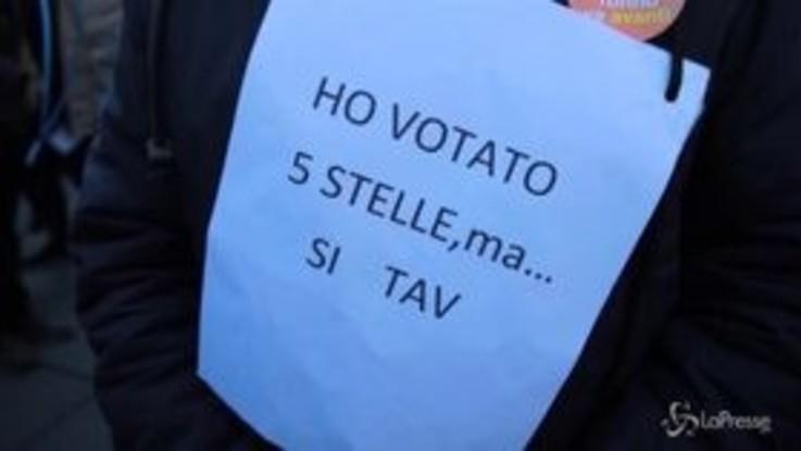 """Sì Tav, in piazza a Torino anche un """"pentito"""" M5S"""