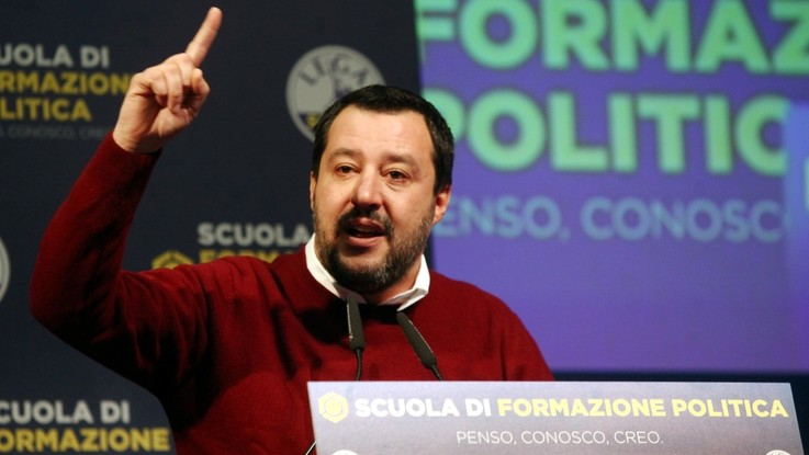 """Battisti, Salvini: """"Volgare assassino, deve marcire in galera. Entro domani sarà in Italia"""""""
