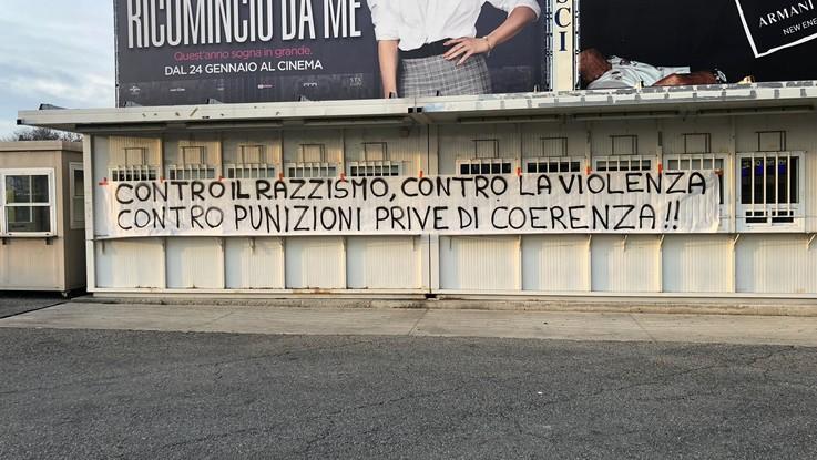 Inter-Benevento, striscioni antirazzismo fuori da San Siro. La storia a lieto fine di Fabio
