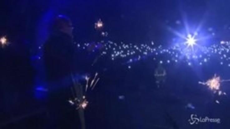 Polonia, sindaco di Danzica accoltellato sul palco in diretta tv