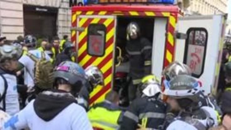 Italiana ferita a Parigi, è andato bene l'intervento alla gamba