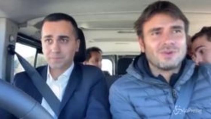 """Di Maio e Di Battista, in auto verso Strasburgo: """"Cambiamo questa Europa"""""""