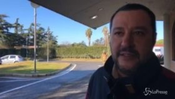 """Battisti in Italia, Salvini: """"Sembrava sogghignante, coi morti sulle spalle"""""""
