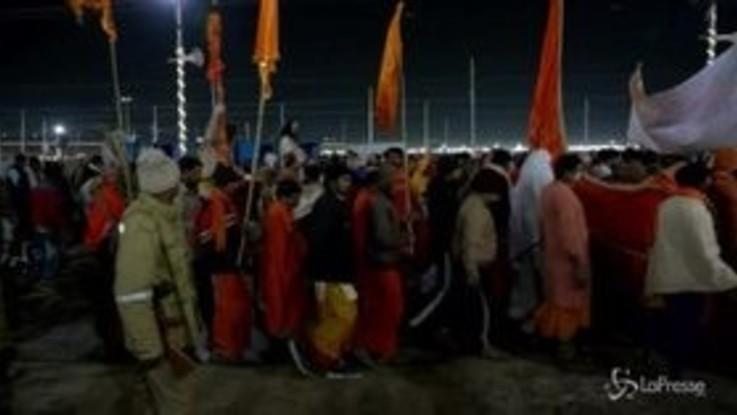Kumbh Mela: si è aperto in India il più grande raduno religioso del pianeta