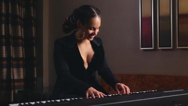 Grammy Awards 2019, Alicia Keys sarà la conduttrice: il video-annuncio