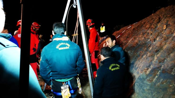 Malaga, bimbo caduto in un pozzo: si pensa alla costruzione di un tunnel laterale