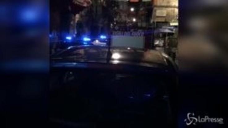 Bomba nella pizzeria Sorbillo di Napoli: il titolare sul luogo dell'esplosione
