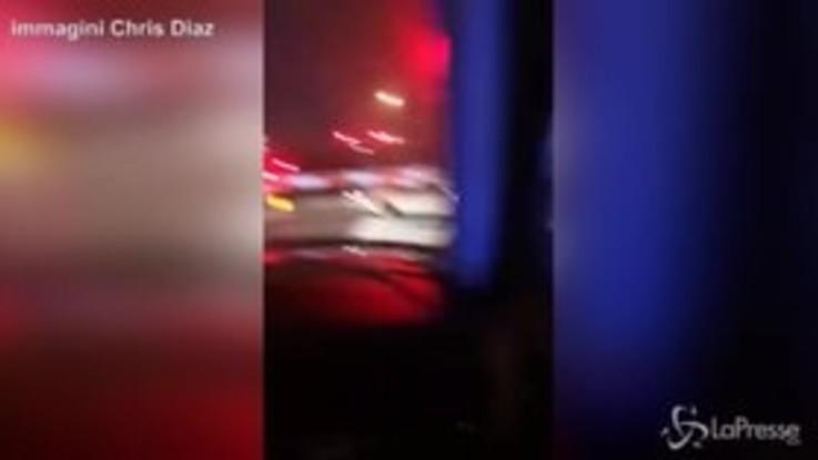 Il treno colpisce in pieno un'auto: 96enne salva per un pelo