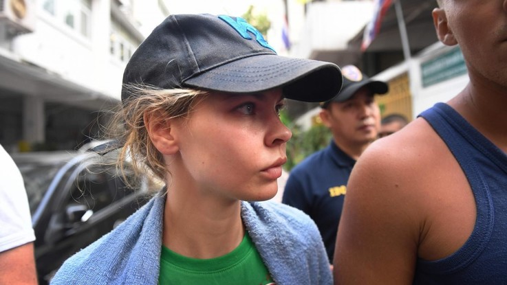 Espulsa dalla Thailandia la escort che vuol fare rivelazioni su Trump
