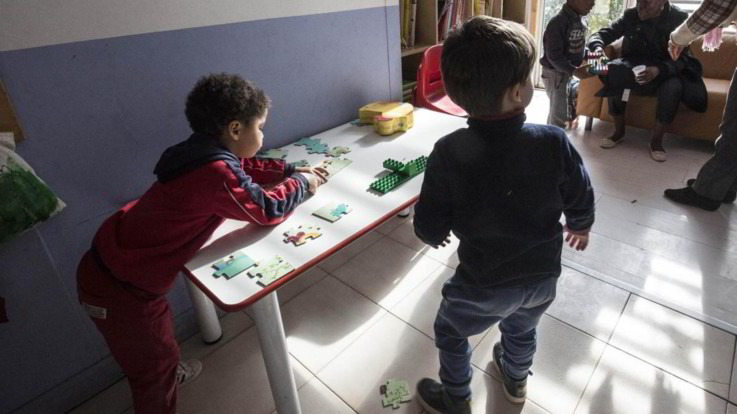 Isernia, maltrattamenti sui bimbi: sospese due maestre di scuola materna