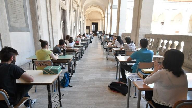 Maturità, doppia materia alla 2a prova: Latino-Greco al Classico e Matematica-Fisica allo Scientifico