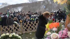 """Rigopiano, la madre di una vittima: """"A mio figlio serviva uno spazzaneve, non fiori"""""""