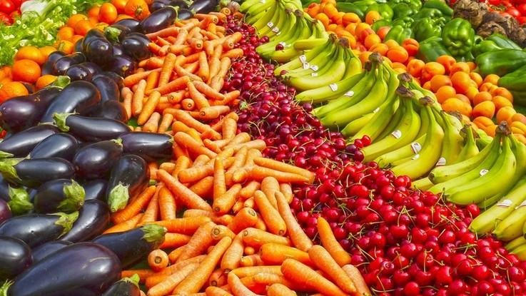 Noci, verdura, legumi e frutta: ecco la dieta 'universale' che tutela anche l'ambiente