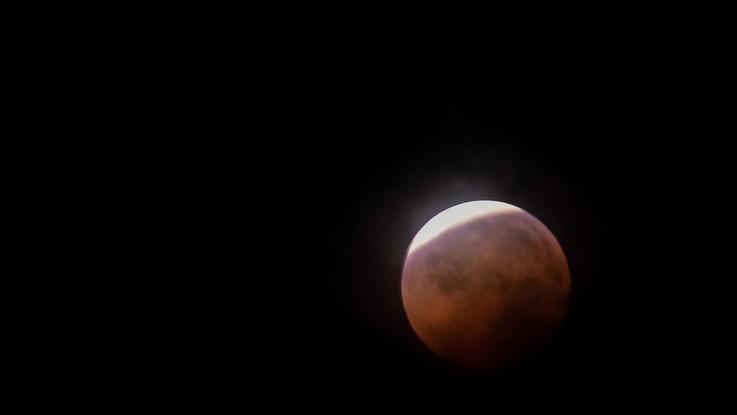 Spazio, lunedì attesa eclissi totale di Luna: la prossima nel 2028