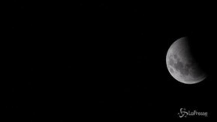 Eclissi di Luna, le immagini spettacolari riprese dall'Argentina