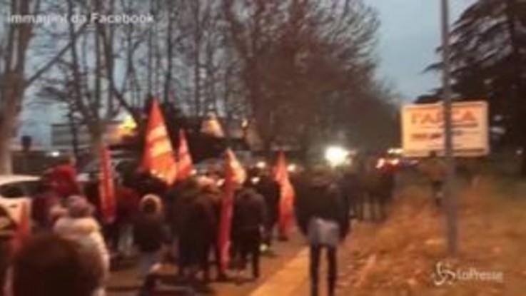 Castelnuovo di Porto, la protesta dei cittadini contro la chiusura del Cara