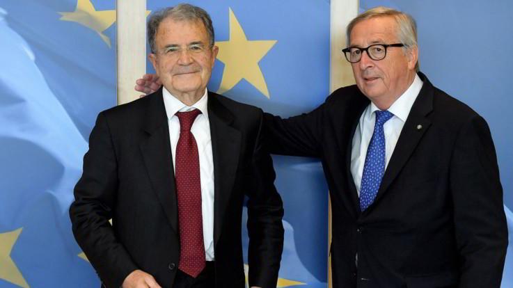 """Prodi scuote la sinistra: """"Né idee né leader"""". Nei circoli Pd Zingaretti avanti, ma è caos"""