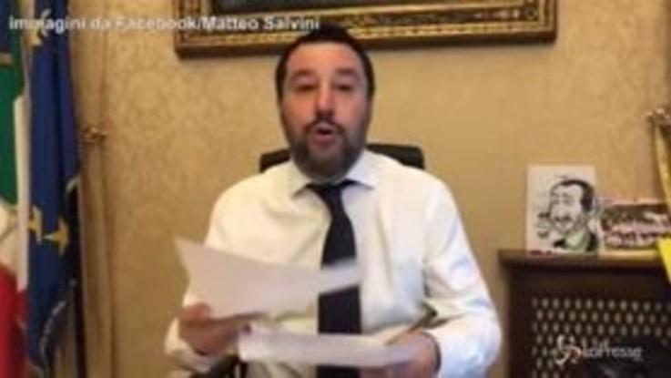 """Caso Diciotti, Salvini accusato di sequestro: """"Ho bloccato lo sbarco, se questo è reato sono colpevole"""""""