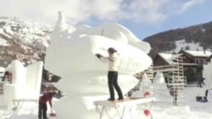 Francia, le spettacolari sculture di neve per il concorso a Valloire