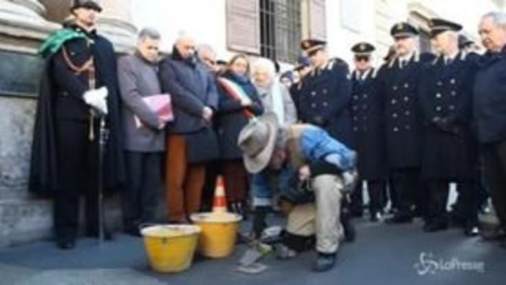 Milano, posata pietra d'inciampo per Luigi Vacchini: morì in campo di concentramento