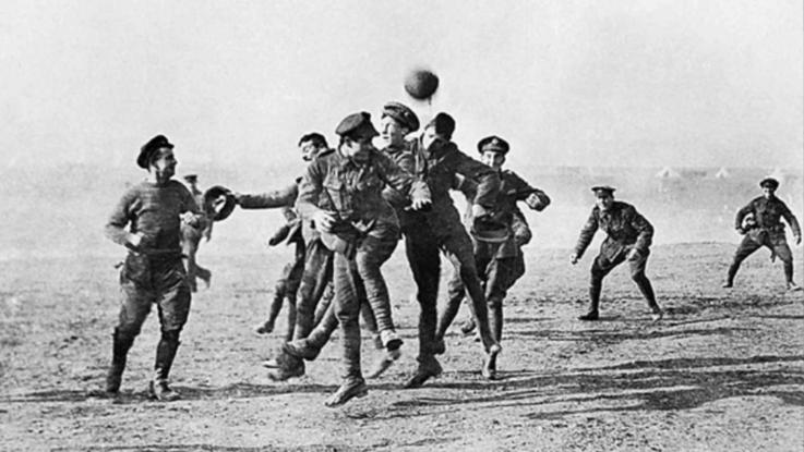 Dai campi da gioco alla guerra: il sogno infranto di sei giovani calciatori