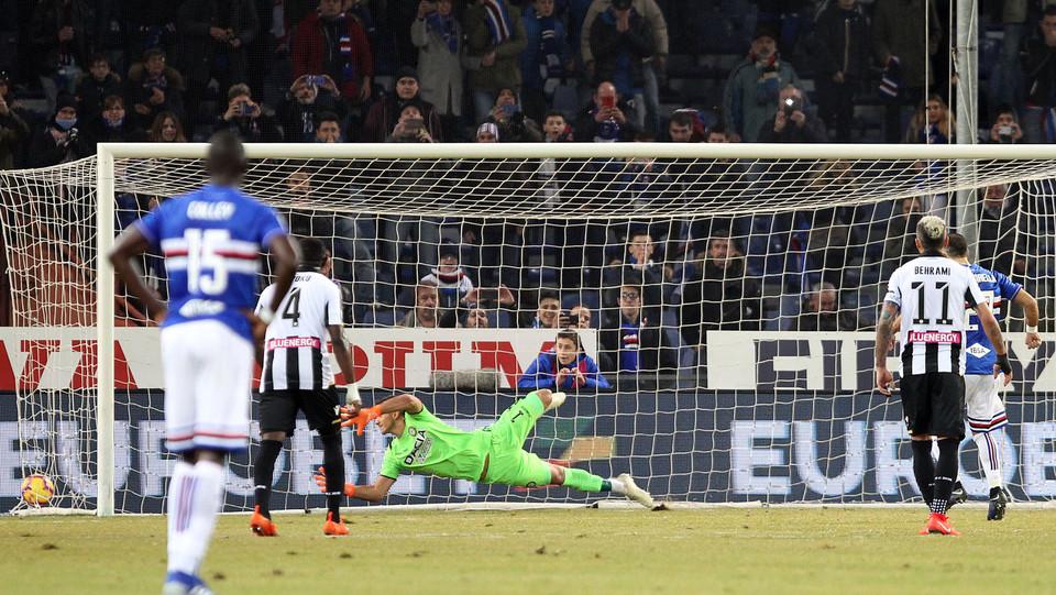 33' Gol di Fabio Quagliarella su rigore! Samp in vantaggio. ©