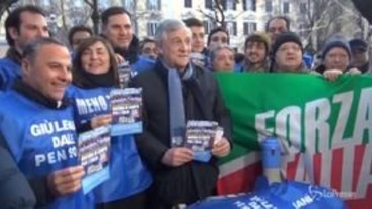 """Forza Italia, Tajani: """"Il Paese ha bisogno di una reazione"""""""