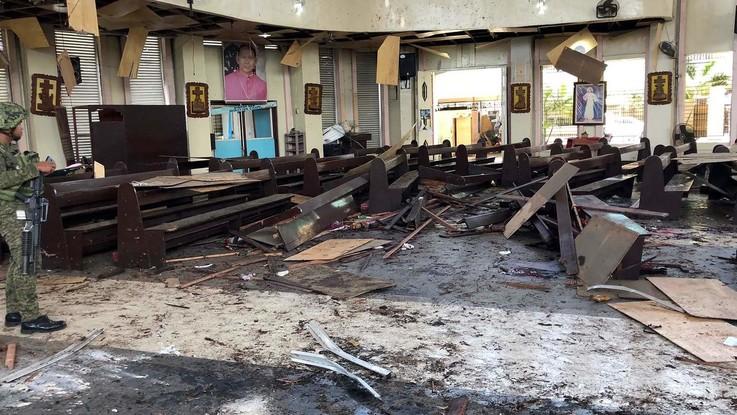 Filippine, attentato alla cattedrale di Jolo: 18 morti, oltre 80 feriti